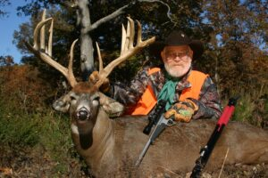 """Larry Weishuhn with 200+"""" whitetail buck"""